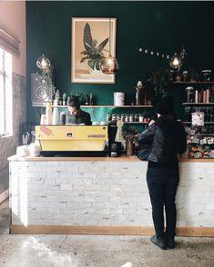 いいね!1,843件、コメント13件 ― ACME | Specialty Coffee Cupsさん(@acmeandco)のInstagramアカウント: 「Elegant @bestie_cafe in Auckland @monolidgirl #acmecups #specialtycoffee #acmeforlife」