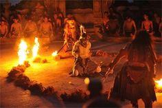 ケチャックダンス@バリ島ウルワツ寺院 ケチャック観るなら断然ここです!!!