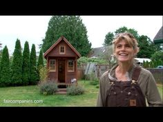 Dee Williams lived in a 2,000 sq ft home. She decided to leave her $1,000/month mortgage behind. She collected together $10,000 ($5,000 for materials and $5,000 for solar panels and low-E windows) and built a 84-square-foot home. It took her three months and once it was ready to go, she Parks It In Her Friend's Backyard | SF Globe