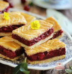 Az igazi meggyes linzer Hungarian Desserts, Hungarian Recipes, Torte Cake, Tasty, Yummy Food, Sweet Cakes, Sweet And Salty, Homemade Cakes, Winter Food