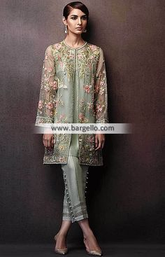 Latest Elan Party Dresses Wilmington Delaware USA New Arrivals Pakistani Party Wear Dresses, Pakistani Wedding Outfits, Pakistani Bridal Dresses, Pakistani Dress Design, Dress Indian Style, Indian Dresses, Trajes Pakistani, Pakistani Fashion Casual, Mode Hijab