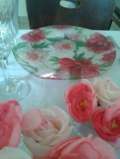 Pratos decorados com decoupagem.  Lindos dao todo charme a sua mesa. Faça seu orçamento!