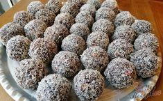 Pokud máte rádi punčové zákusky, určitě vyzkoušejte připravit tyto nepečené kuličky. Většina žen se obává punčového zákusku kvůli tomu, že je náročný na přípravu. Tyto kuličky jsou bez pečení, bez dlouhé přípravy a hlavně jsou vynikající :) Autor: Triniti Christmas Baking, Christmas Cookies, Desert Recipes, Food Art, Sweet Recipes, Yummy Treats, Sweet Tooth, Food And Drink, Cooking Recipes