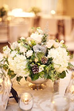 Winter wedding decor. Photo by Gucio Photography.