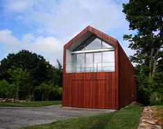 Studio Off-the-Grid Modern — House Tour Building Design, Building A House, Build House, Crazy Houses, Weird Houses, Off Grid House, Radiant Floor, White Picket Fence, School Architecture