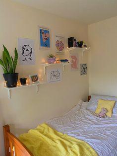 Room Design Bedroom, Room Ideas Bedroom, Bedroom Decor, Bedroom Inspo, Bedroom Wall, Pastel Room Decor, Cute Room Decor, Pastel Bedroom, Indie Room