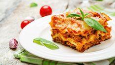 Sausage, cheese, and basil lasagna recipe for Columbus Day - Pasta - American Classic Lasagna Recipe, Best Lasagna Recipe, Lasagna Recipes, Pasta Recipes, No Boil Lasagna, Baked Lasagna, Sauce Bolognaise, Slow Cooker Lasagna, Pickled Beets