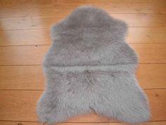 Silver Grey Faux Fur Sheepskin Style Rug (70cm x 100cm)
