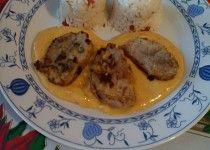 Vepřové medailonky s pikantní omáčkou a rajčatovou rýží