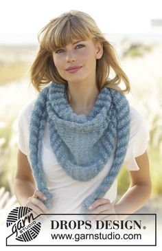 """#Shawl with stripes worked from side to side in """"Alpaca Bouclé"""" and """"Kid-Silk"""". Free #knitting Pattern"""
