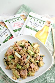 Inspired by one of my favorite sushi rolls, this Spicy Tuna Roll Quinoa Salad makes the perfect quick & easy lunch idea. Inspired by one of my favorite sushi rolls, this Spicy Tuna Roll Quinoa Salad makes the perfect quick & easy lunch idea. Seafood Recipes, Cooking Recipes, Easy Recipes, Seafood Dishes, Delicious Recipes, Free Recipes, Cooking Tips, Yummy Food, Healthy Recipes