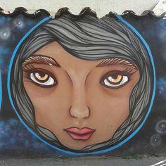 Buenos jueves #graffiti #art #street #face #instagraffiti #santiago #chile #instachile #webinstagram #ig_chile #patronato #barriopatronato #squaredcircle