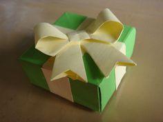 E essa caixinha em que até o lacinho é de origami? s2