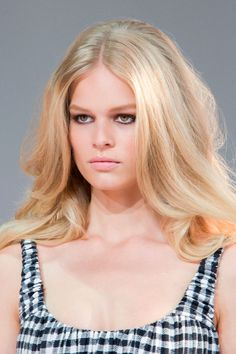 Diane von Furstenberg's French Riviera inspired spring 2015 runway look. Very '50s and '60s Brigitte Bardot.