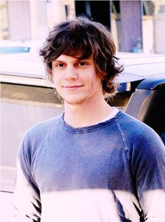 oh damn, evan peters