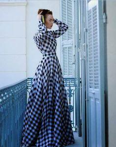 Ulyana Sergeenko ekose elbise