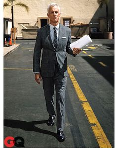 Plaid suit done right. Damn, those Mad Men know how to wear a 2 piece.