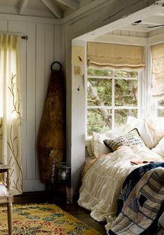 I love the alcove bed design