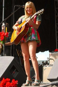Grace Potter Should Learn To Play The Ukelele