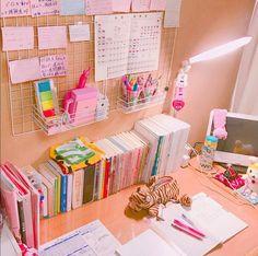 girls study room decor ideas Study Room Decor, Study Rooms, Bedroom Decor, Study Areas, Decor Room, Bedroom Table, Study Table Organization, Organization Ideas, Bedroom Organization