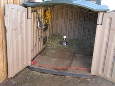 rubbermaid shed for african sulcata tortoise - Yahoo Image Search Results Tortoise As Pets, Red Footed Tortoise, Tortoise House, Tortoise Food, Tortoise Habitat, Tortoise Table, Turtle Habitat, Sulcata Tortoise, Rubbermaid Shed