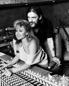 Samantha Fox and Lemmy Kilmister. Samantha Fox was technically still a very popular topless Page 3 girl in The Sun and not yet an pop star… Rock And Roll, Pop Rock, Heavy Metal, Women Of Rock, Tribute, Rock Legends, Psychobilly, Music Is Life, Music Artists