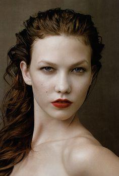 Annie Leibovitz, Karlie Kloss, 2009. Wet hair done elegant. Inspirations at Monica Hahn Photography