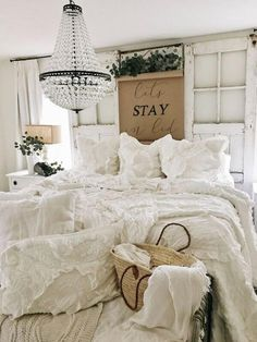 Farmhouse Style Master Bedroom Decorating Ideas