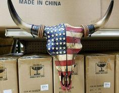 American flag ideas home decor Western resin cow skull with American Flag design 20 12 home decor Deer Skull Art, Cow Skull Decor, Deer Decor, Skull Design, Flag Design, Painted Animal Skulls, Bone Crafts, Antler Art, Skull Painting