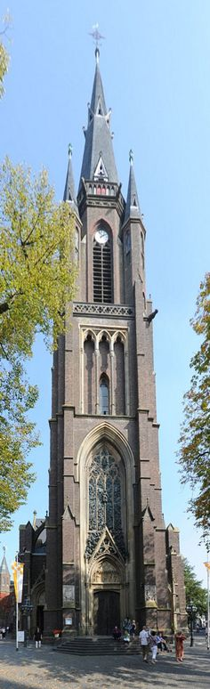 Lying on the border between the Netherlands and Germany, Kevelaer is an international place of pilgrimage. Yearly over a milion people visit this pilgrimage https://www.pilgrim-info.com/kevelaer-basilica/