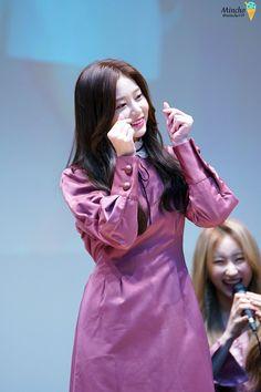 Fan Signs, Kim Min, Yuri, Girl Group, Beautiful, Idol, Asia, Colorful, Girls
