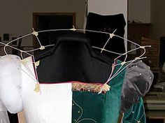 The Building of an Elizabethan Wired Ruff