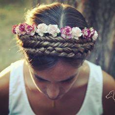trenza y flores. http://www.queridavalentina.es/