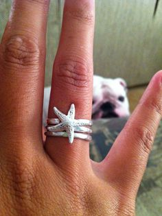 Starfish Ring by oceandreamshawaii on Etsy. Ok, what I love about this is the photobombing Bulldog in the background of this Etsy shop's listing. Looks kinda like my Eva :) Jewelry Box, Silver Jewelry, Jewelry Accessories, Jewelry Rings, Starfish Ring, Starfish Earrings, Estilo Hippie, Bling, Ring Set