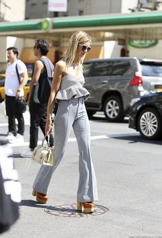 30 Chic Summer Outfit Ideas - Street Style Look. Looks Chic, Looks Style, My Style, Chic Summer Outfits, Spring Summer Fashion, Casual Summer, Look Fashion, Womens Fashion, Fashion Trends