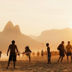 #Ipanema: This well-known coastline in #RioDeJaneiro competes with the #Christo whose open arms welcome every visitor to the #CityOfGod. Photo taken by Joanna Skladanek. #localculture #beach #sunset #Brazil