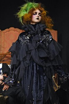 John Galliano Fall 2007 Runway Pictures - StyleBistro