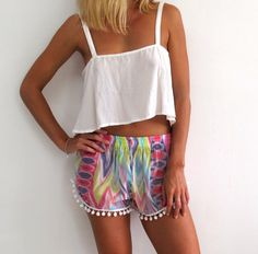 Pom Pom Shorts - Aqua Pastel with White Pom Pom Trim - lightweight chiffon.  Love these haha for the beach!! Holiday Outfits, Summer Outfits, Cute Outfits, Ibiza Outfits, Fashion Outfits, Pom Pom Shorts, Diy Clothes, Clothes For Women, Ibiza Fashion