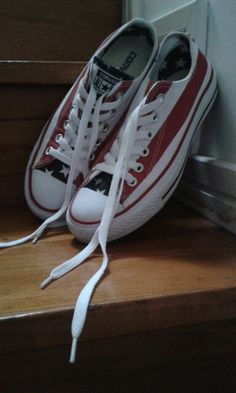"""Ténis sapatilha """"All Star"""" com um padrão da bandeira dos EUA! Cool! E estes aqui são os meus!"""