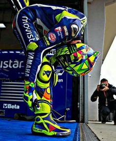Racing is life. Racing drivers never die. Foto Valentino Rossi, Bob Marley Art, Buy Motorcycle, Motorcycle Helmets, Vr46, Honda Shadow, Racing Motorcycles, Cycling Art, Sportbikes
