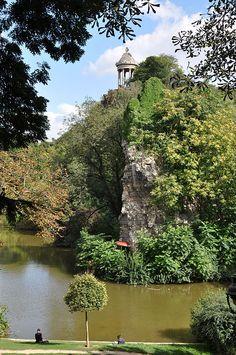 Belvédère Island, Parc des Buttes Chaumont, Paris XIX
