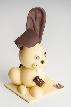 Artisan Chocolate, Homemade Chocolate, Delicious Chocolate, Fondant, Chocolate Sculptures, Chocolate Decorations, Easter Table, Shape Design, Easter Recipes