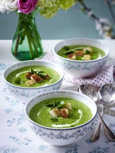 Unser beliebtes Rezept für Fixes Brokkoli-Bresso-Süppchen und mehr als 55.000 weitere kostenlose Rezepte auf LECKER.de.