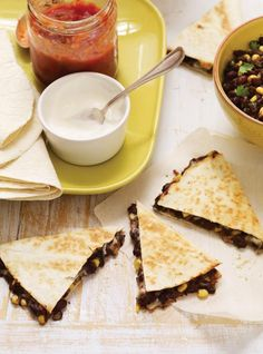 Make this black bean quesadilla recipe in your RICARDO electric pressure cooker or Instant Pot. Pressure Cooker Black Beans, Pressure Cooker Applesauce, Pressure Cooker Chicken, Pressure Cooker Recipes, Pressure Cooking, Quesadillas, Black Bean Quesadilla, Homemade Green Bean Casserole, Black Beans