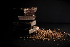 Can Diabetics Have Chocolate? Yes, provided they have the right type of chocolate. Also, they should stay away from diabetic chocolates. Chocolate Paleo, Chocolate Nestle, Chocolate Benefits, Happy Chocolate Day, Dark Chocolate Recipes, How To Temper Chocolate, Chocolate Treats, Chocolate Coffee, Chocolate Flavors