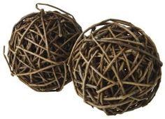 DIY: How to Make Willow Twig Balls (potential rabbit toys) Twig Crafts, Nature Crafts, Decor Crafts, Arts And Crafts, Driftwood Crafts, Rustic Crafts, Nature Decor, Rustic Decor, Willow Weaving
