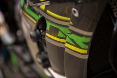Up-Close with the Kawasaki Team Green Suzuka Bike Kawasaki Motorcycles, 8 Hours, Yamaha, Car Seats, Racing, Bike, Green, Bicycle, Kawasaki Bikes