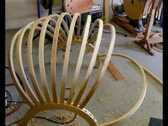 Cintrage à la vapeur, Samuel Mamias, 2015 Vidéo explicative publiée sur Youtube sur le travail du bois. Samuel Mamias réalise un fauteuil en forme de boule suspendu. Le cintrage à la vapeur permet de contraindre le bois a une certaine forme, finalement de pouvoir de tordre même si il est a la base un matériau bien rigide.