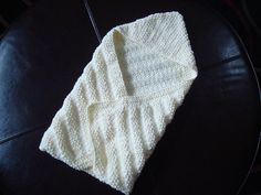 Knitted one of these for Jason's nephew in baby green soon after he was born. Was about a year and a half ago now and I was still a pretty new knitter at the time.