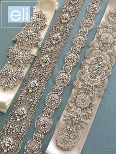 cintos                                                                                                                                                      Mais Wedding Sash Belt, Wedding Belts, Couture Embroidery, Beaded Embroidery, Tambour Beading, Hand Embroidery Designs, How To Make Beads, Beading Patterns, Wedding Accessories